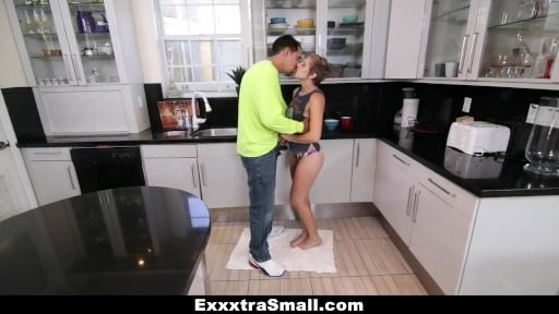 Exxxtrasmall – Joy Dimension Teenage Bopped By Helpful Man